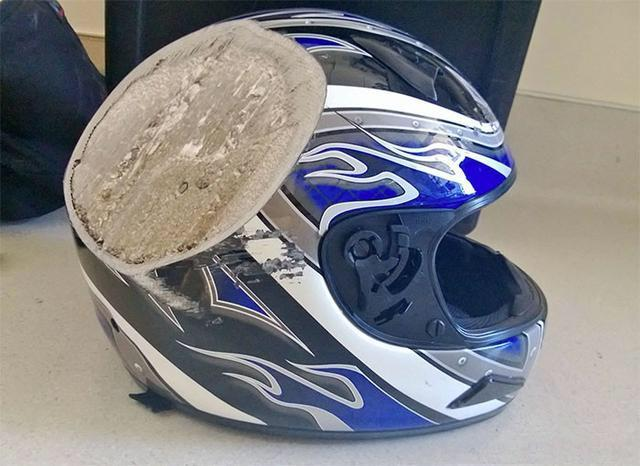 motocycle helmet.jpeg